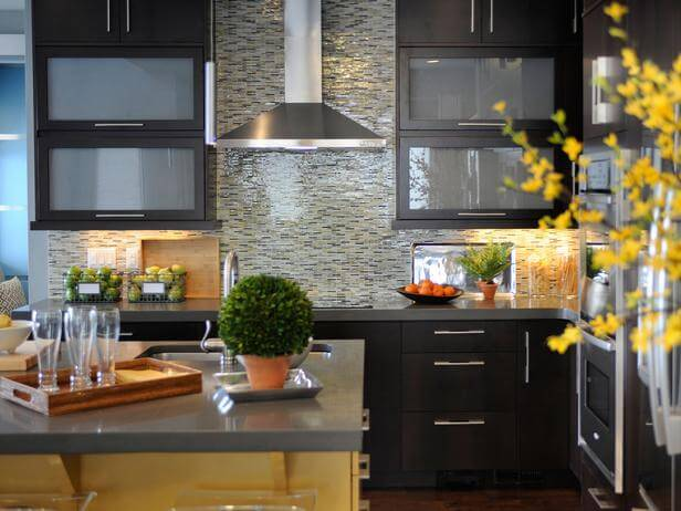 Glass Backsplash Tile in a Modern Kitchen