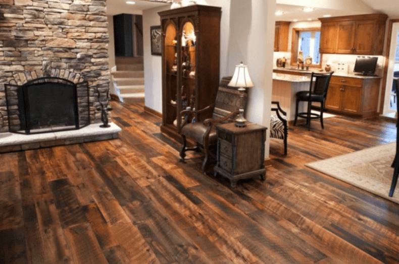 15 reclaimed wood flooring ideas for every room for Wood flooring ideas for living room