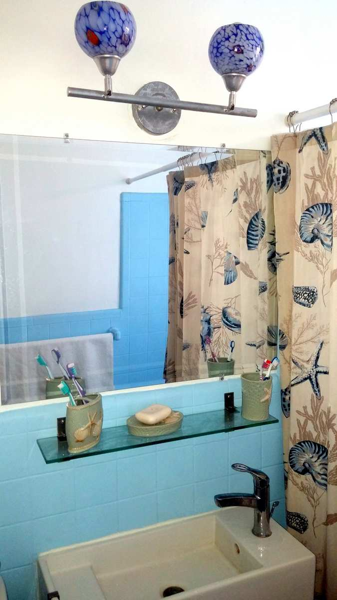 Small Bathroom Color Ideas Blue, White, Beige