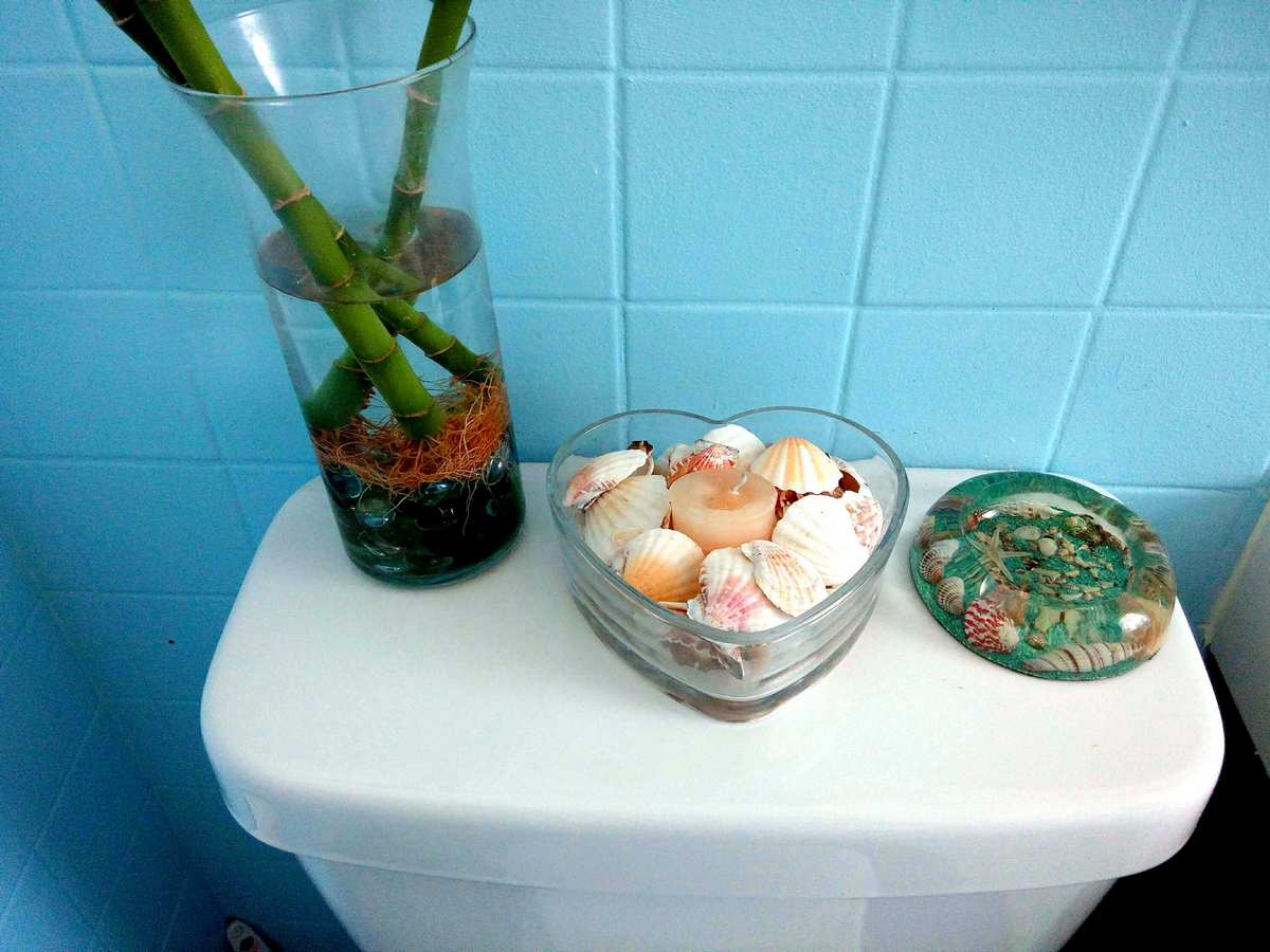 7 Secrets for a Small Bathroom Makeover - Remodeling Cost ...