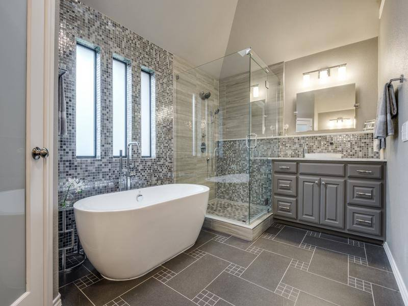 How To Save On Bathroom Remodel Costs In 2020 Remodeling