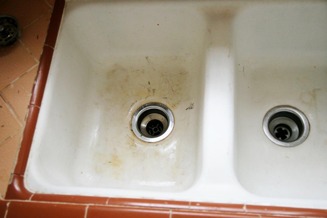 Old-Ceramic-Kitchen-Sink