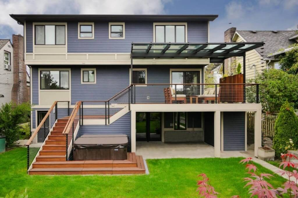 Raised Deck Design on Modern House